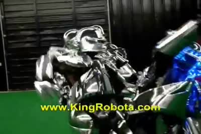 8 Feet Tall Real Steel Robot In Real Life
