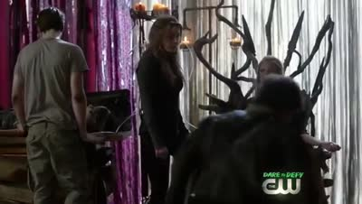 The 100 - Clarke Takes the Flame