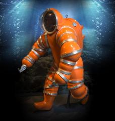 <b>Newtsuit Atmospheric Diving Suit Replica, 1986</b> <br /> Artifact no. 1986.0907 <br /> Canada Science and Technology Museum