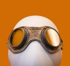 <b>Welder's Safety Goggles, c. 1920</b> <br /> Artifact no. 1992.1515 <br /> Canada Science and Technology Museum