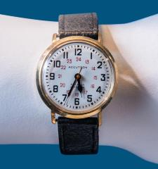 <b>Accutron Wristwatch, 1965</b> <br /> Artifact no. 2008.0107 <br /> Canada Science and Technology Museum