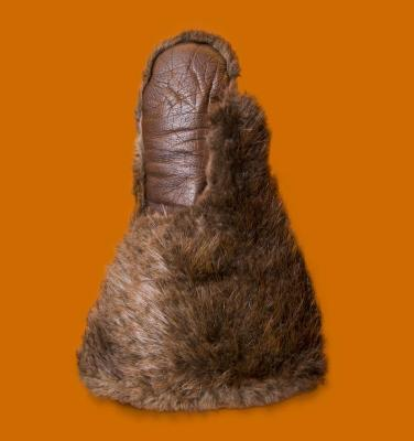 <b>Beaver Fur Mitten, c. 1915</b> <br /> Artifact no. 2004.0009 <br /> Canada Science and Technology Museum