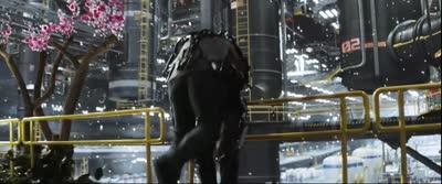 Elysium - Max Unplugs Kruger's Exoskeleton
