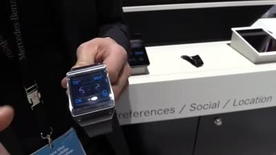Mercedes-Benz smartwatch integration (Galaxy Gear and Pebble)